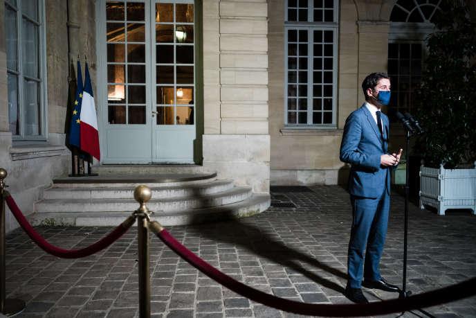 The government spokesman, Gabriel Attal, in the courtyard of Matignon, Friday, November 20.