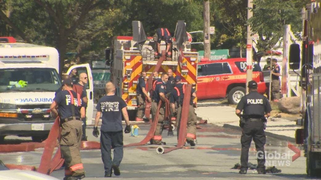 Click to play video: '1 person killed after Toronto chemical fire'