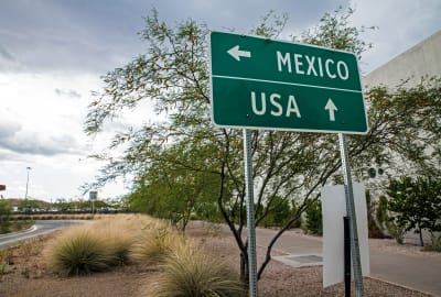 It seeks to lower the cases of contagion;  The United States extended a ban on the border with Mexico and Canada